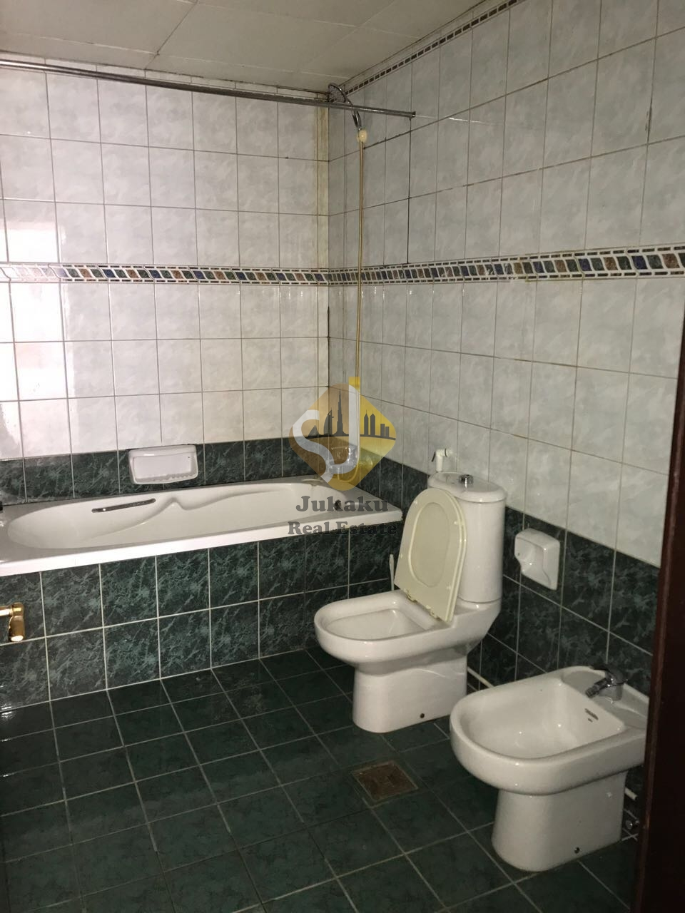 Chiller Free 2 Br With Huge In Size For 95k In Bur Dubai